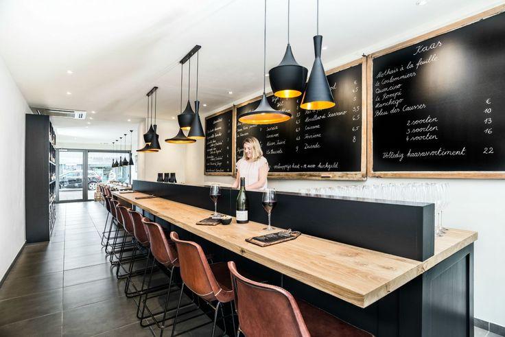 Totaalinrichting Wijnbar - Swaf - Fris, fruitig, krachtig, origineel, naturlijk - Cognac lederen stoelen - Sol y Luna - Interior design project - Wine bar - Fresh, fruity, powerful, original, natural - Cognac leather chairs - #WoonTheater