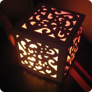 Carton + Papier calque + Lumière