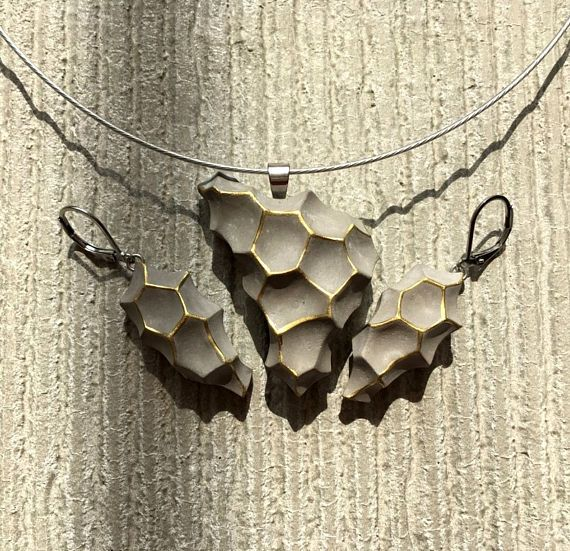 Concrete jewelry set Psyche in gold spiderweb