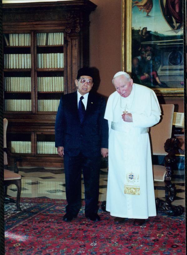 Gus Dur dan Paus Yohanes Paulus II #religion