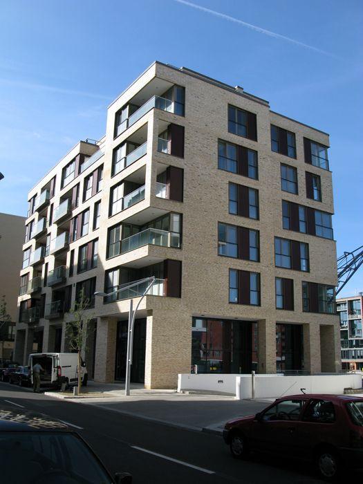 Am Kaiserkai 30 / Hamburg / Germany Architect: NPS Tchoban Voss http://www.architravel.com/architravel/building/am-kaiserkai-30/