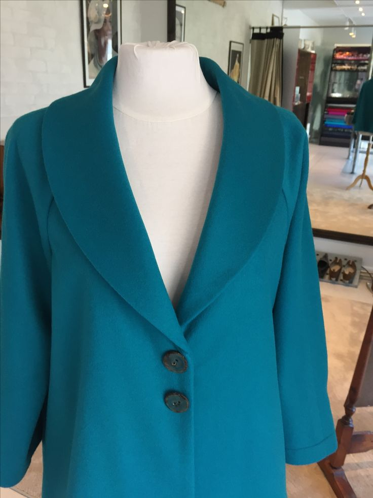 Reliefbyjunker.dk Cashmere and wool coat.