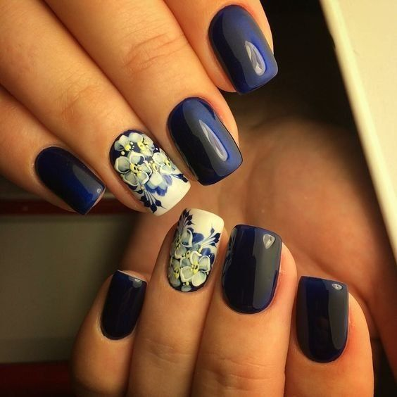 Blue nail art, Dark blue nails, March nails, Nails by a dark blue dress, Nails ideas with flowers, Painted blue nails, Short blue nails, Spring nail art