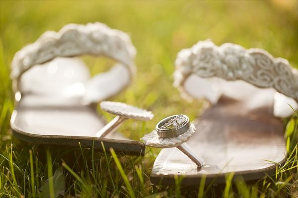 Sara was a feesk bride. Her choice of sandals: The Wedding Pearl feesk! As featured on the knot.