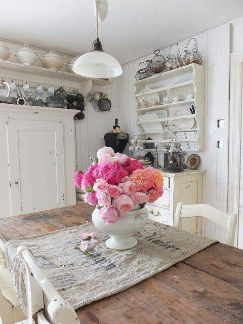 I Love A Farmhouse Style Kitchen