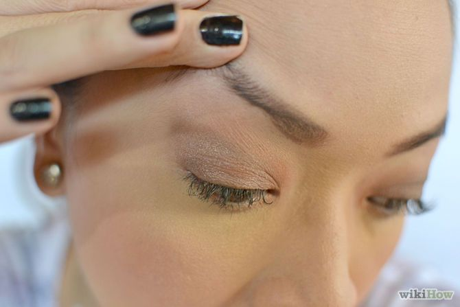 How to Fix Eyebrows (No Matter What Problem You May Have)