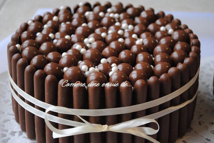 Pour le goûter d'école avant les vacances de Pâques mon grand garçon a voulu emmener des gâteaux au chocolat: Alors voilà comment avoir une très jolie présentation en moins de 15 minutes ! Réaliser un moelleux au chocolat (celui du paquet de Maïzena):...