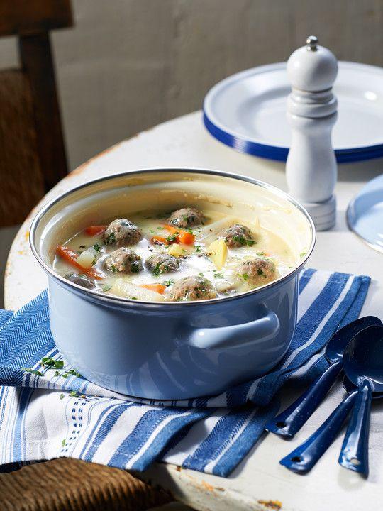 Kohlrabicremesuppe mit Fleischklößchen, ein tolles Rezept aus der Kategorie Rind. Bewertungen: 221. Durchschnitt: Ø 4,4.
