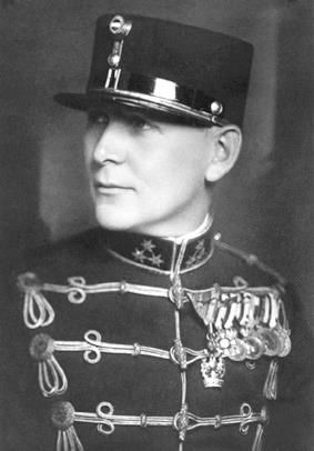 Ujszászy István