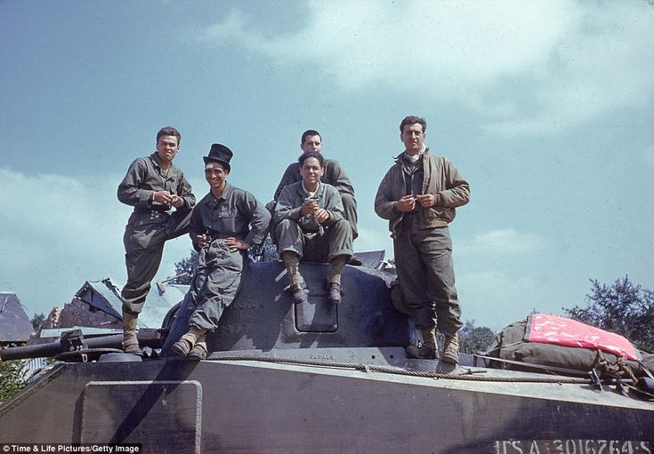 Band of brothers - newly released color photos of D-Day and WWII: Band Of Brother, Wwii, Tanks Crew, Color Photo, American Tanks, Ww Ii, War Ii, Avranch, Summer 1944