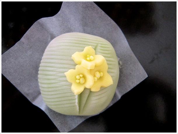 菜の花 japanese sweets