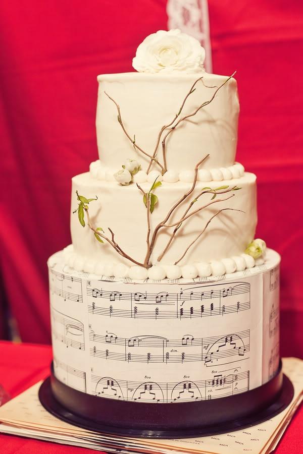 musical score cake