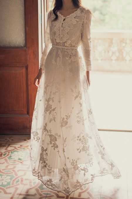 Ravissante robe blanche longue sur for Robe maxi blanche mariage