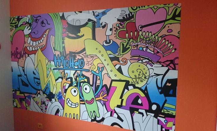 Kolorowe i zabawne fototapety to doskonały pomysł, by odmienić pokój dziecka. Psychodeliczna sowa i hiphopowe potwory aż kipią pozytywną energią. http://ecoformat.com.pl/kolorowo-zabawnie-nasze-realizacje-cz-1/