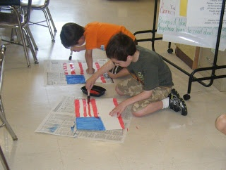 Hints for painting US flag with your first graders, and getting pretty realistic results! :)