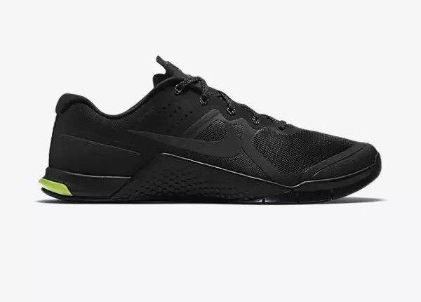 Shop Women's Nike Black size 7 Sneakers at a discounted price at Poshmark.  Description: The Nike Metcon 2 brand new never worn. All black! In Original  box.