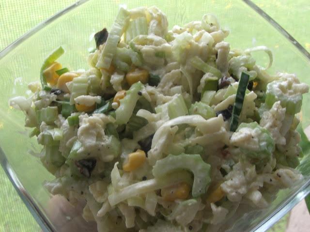 Kulinarna pasja: Sałatka z selera naciowego, pora i jabłek