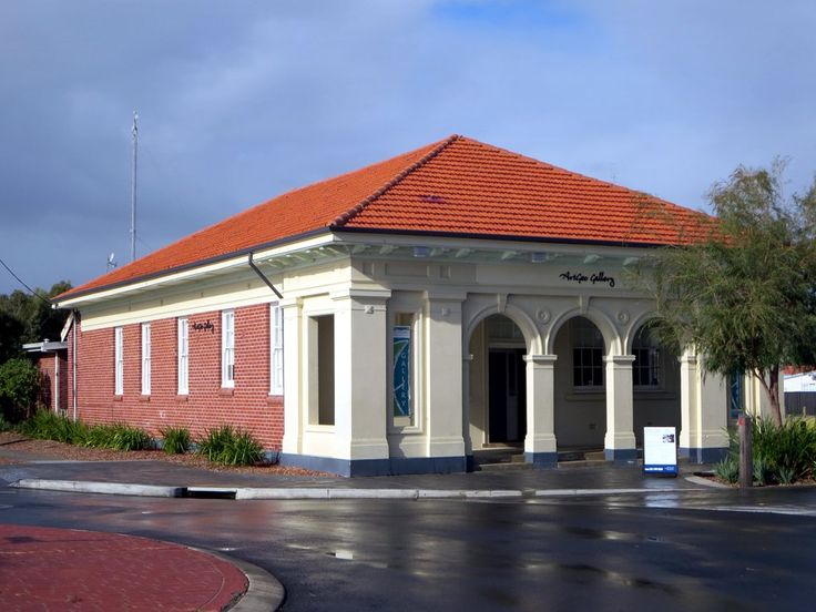 The ArtGeo Gallery in Busselton, Western Australia, occupies the former Agriculture Building dating from the 1920s.