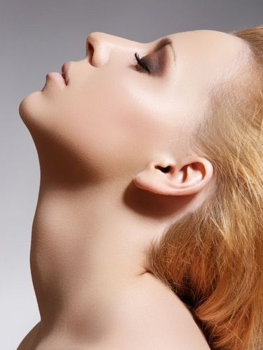 Подтягиваем кожу лица и шеи в домашних условиях: несколько полезных упражнений