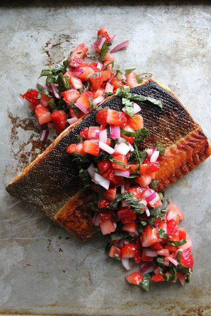 Crispy Salmon with Strawberry Basil Salsa: Strawberries Basil Salsa, Seafood Recipes, Salsa Seafood, Strawberry Basil Salsa, Fish Shellfish Seafood, Crispy Salmon, Salsa Recipe, Heather Christo, Heatherchristo Com
