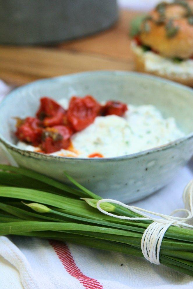 Pažitková pomazánka & pečená rajčata