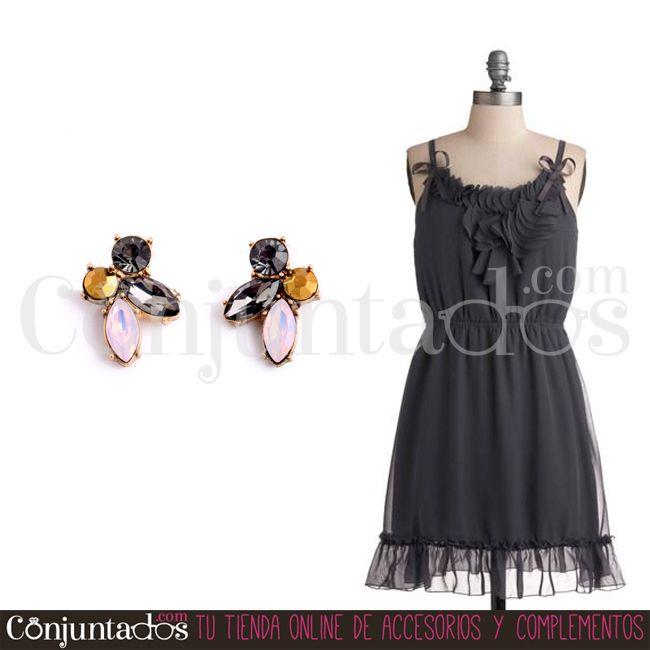 Los #pendientes Anie son perfectos para ir enjoyada discreta y elegante sin llamar en exceso la atención ★ 9'95 € en http://www.conjuntados.com/es/pendientes/pendientes-cortos/pendientes-anie-de-cristales.html ★ #novedades #earrings #conjuntados #conjuntada #joyitas #lowcost #jewelry #bisutería #bijoux #accesorios #complementos #moda #fashion #fashionadicct #picoftheday #outfit #estilo #style #GustosParaTodas #ParaTodosLosGustos