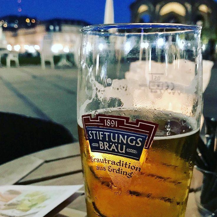 #beer in #park #Schlossplatz #stuttgart #germany . . . . #travel #bier #deutschland #beergarden #biergarten #bavaria #wanderlust #nomnom #fall #oktoberfest #octoberfest #nowgoseeit #travelphotography #travelblogger