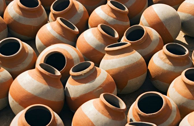 CERAMIC MATERIALS They are obtained by molding clay and then subjecting it to a cooking process in an oven Example: a brick, a tile, a bottle, a dish, a sink, etc.