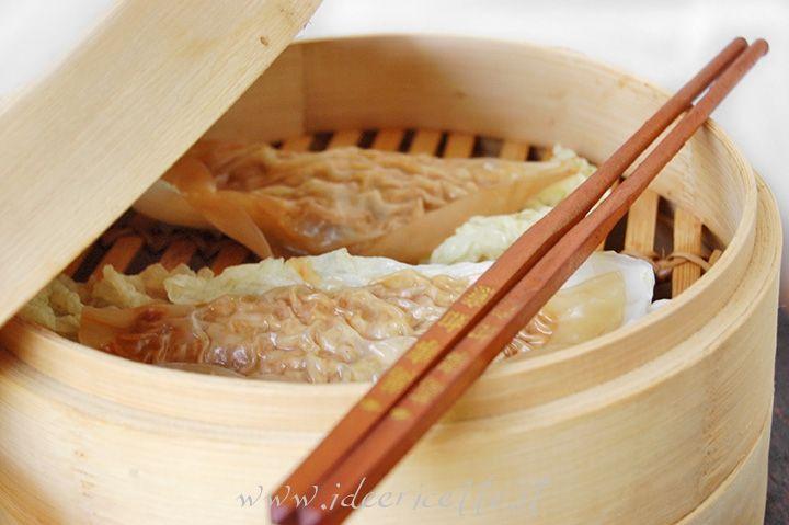 Ricetta Ravioli di carta di riso al vapore ripieni di carne macinata e cavolo cinese
