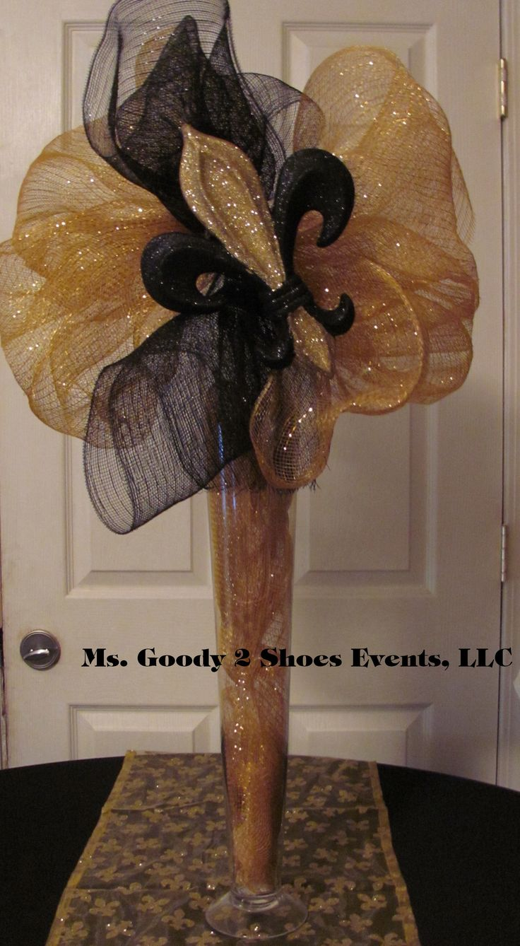 Deco mesh Centerpiece, designed by Ms. Goody 2 Shoes Events.