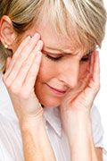 Many Migraine Sufferers Given Narcotic Painkillers, Barbiturates