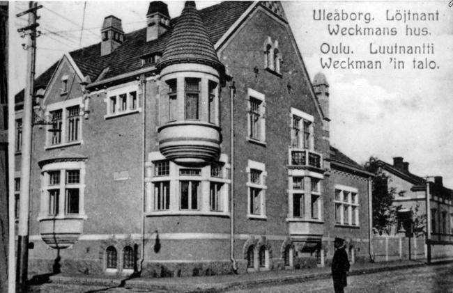 Kuvagalleria: Rakennusten katoamisella katukuvasta on Oulussa pitkät perinteet. Kirjava on myös se keinojen valikoima, jolla…