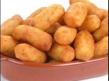 Croquete de Milho Verde - Veja mais em: http://www.cybercook.com.br/receita-de-croquete-de-milho-verde.html?codigo=101363