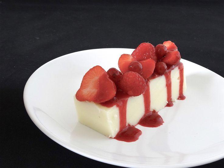 Vous n'aurez besoin que d'une casserole, un moule, un fouet et une spatule pour réaliser ce délicieux dessert. Pas de cuisson au four, c'est simple, rapide et c'est à se damner ... APPAREIL A FLAN 1 litre de lait entier 100 gr de sucre semoule 50 gr de...