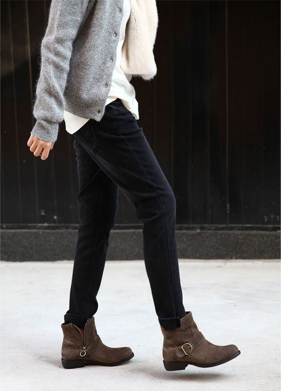 MINIMAL + CLASSIC: perfect casual look - not the boots