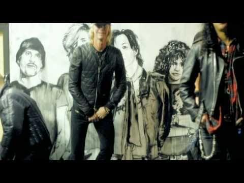 Velvet Revolver - Get Out The Door (+playlist)