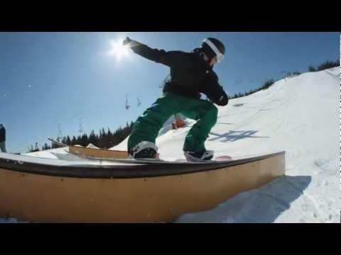 Snowboarding at Tahko