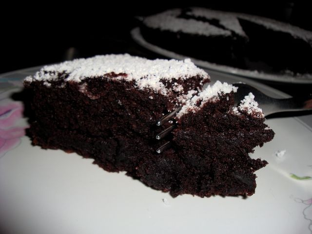 Super moist chocolate cake (no egg-no butter)