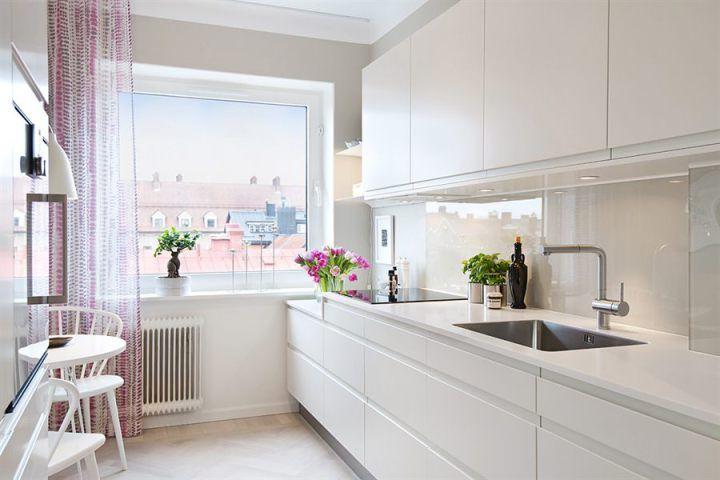 Post: Minipiso en clave primavera --> blog decoración nórdica, cocina nórdica blanca, decoración en blanco, decoración interiores pisos pequeños, decoración minipisos, decoración primavera, estilo nórdico, piso pequeño bien aprovechado