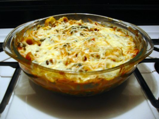 Baked Tortellini and Spinach with Vodka Sauce - Recipe Detail - BakeSpace.com