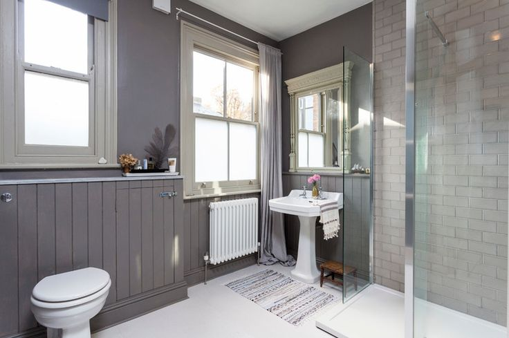 Des accents de bois dans la salle de bain. On choisit de préférence des bois FSC et locaux! | Chris Snook