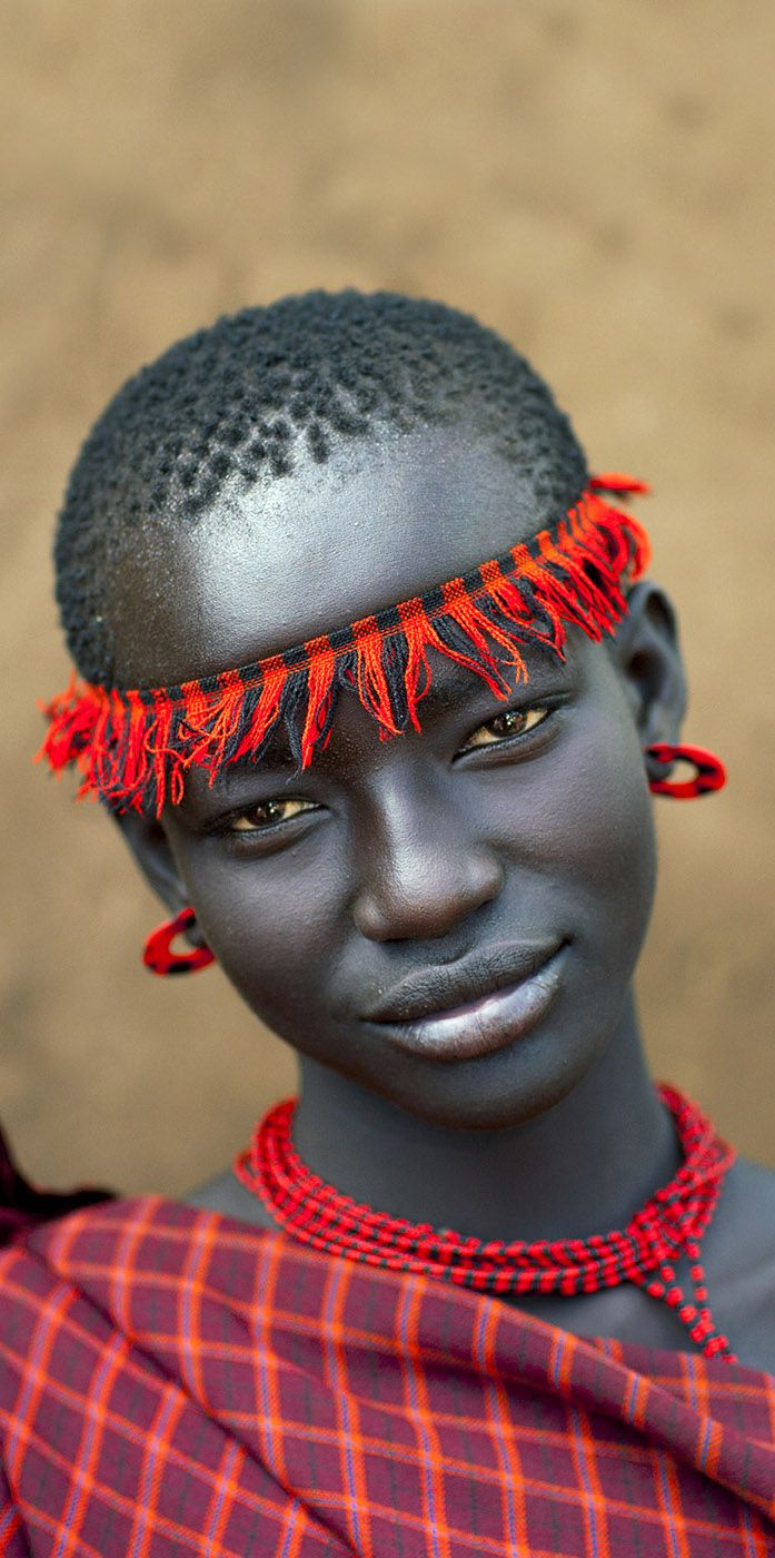 Omo Valley girl, Ethiopia (Photo by Eric Lafforgue)