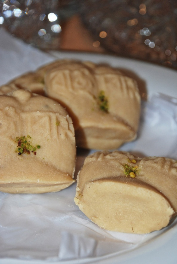 Jalbhora Sandesh - Bengali sweets wanna eat again...............love it :)
