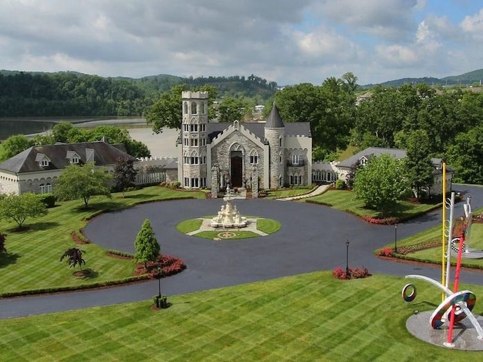 USA - Empty Castle in 191 Degrasse Drive, Johnson City, Tennessee for USD3.95M