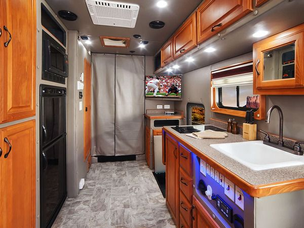 17 best images about big interior truck sleeper on pinterest semi trucks trucks and custom trucks for Custom semi truck sleeper interior