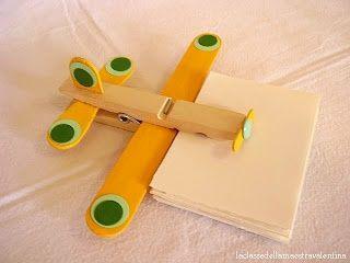 laboratori per bambini  aereoplano riciclo mollette