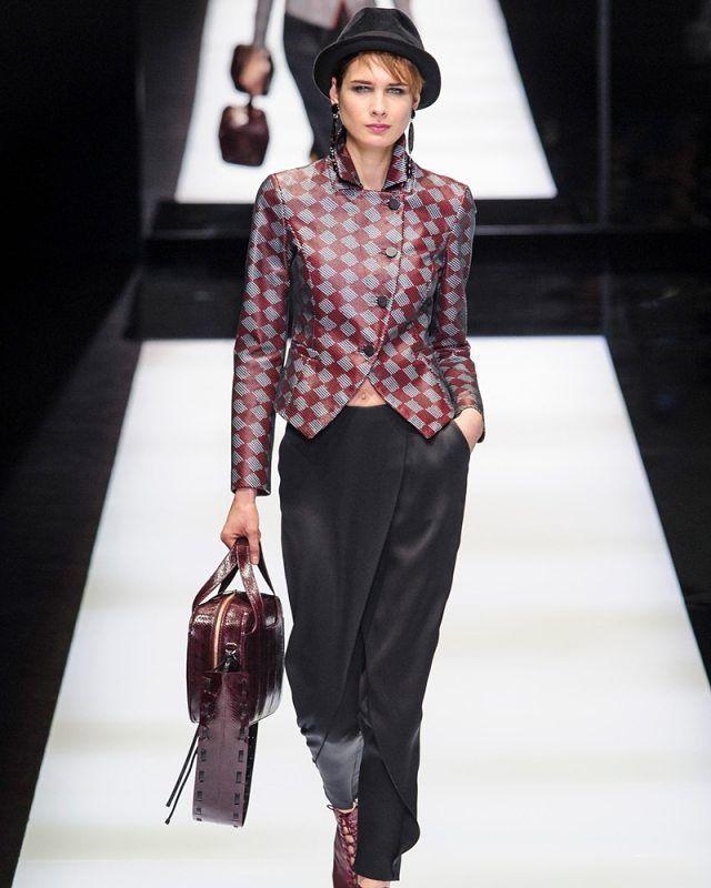 @armani nos devuelve la falda pantalón y yo quiero una como esta!  #mfw #tdsmoda