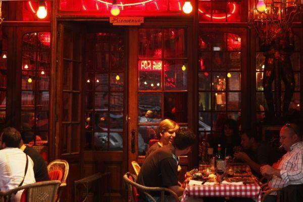 Het restaurant Amadeus is vooral bekend om zijn sparreribs a volonté ... c23f16e0c87