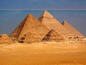 Desi multe intrebari despre Marea #Piramida din Giza raman fara raspuns, noi, oamenii, inca suntem uimiti de complexitatea si precizia acestei incredibile structuri antice. http://peru.ro/marea-piramida-din-giza-a-fost-construita-de-o-civilizatie-antica-extrem-de-avansata/