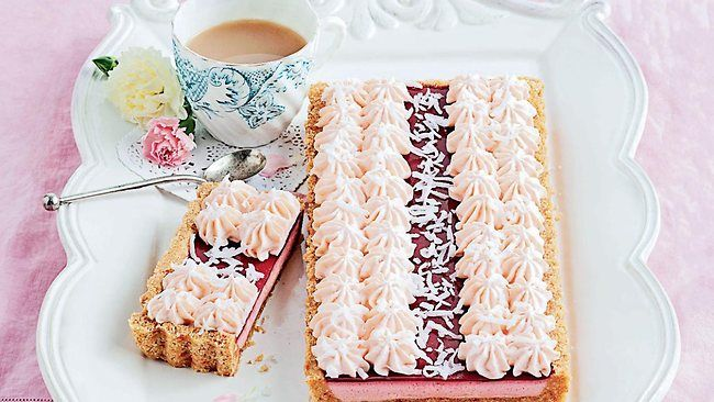 iced vovo tart. perfect for an australia day treat...